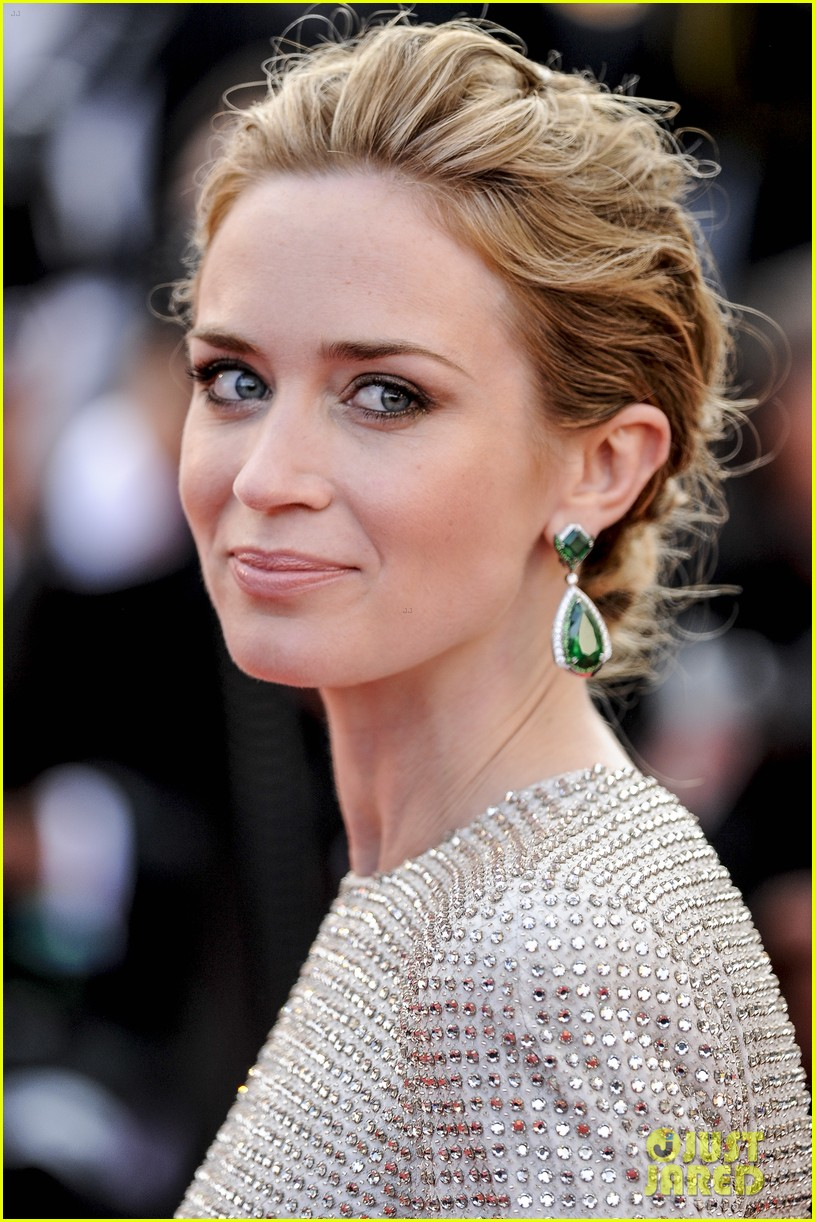 Emily Blunt Almost Lost Her 'Sicario' Female Lead to a Man: Photo ... Emily Blunt