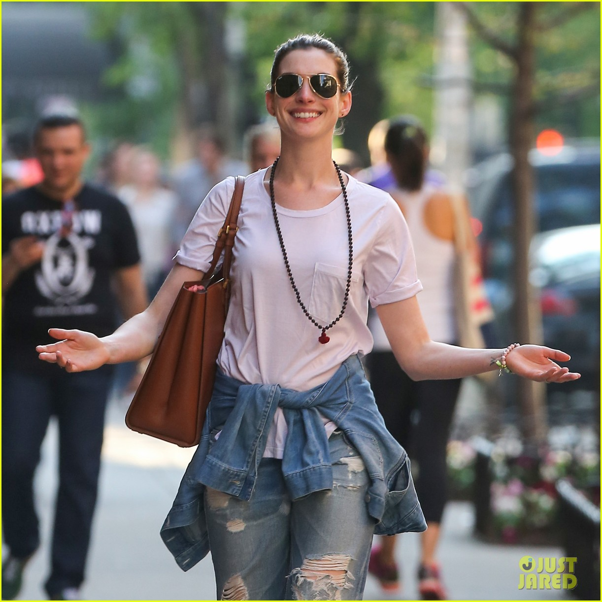 Anne Hathaway Shows Off Her Big Smile In NYC: Photo