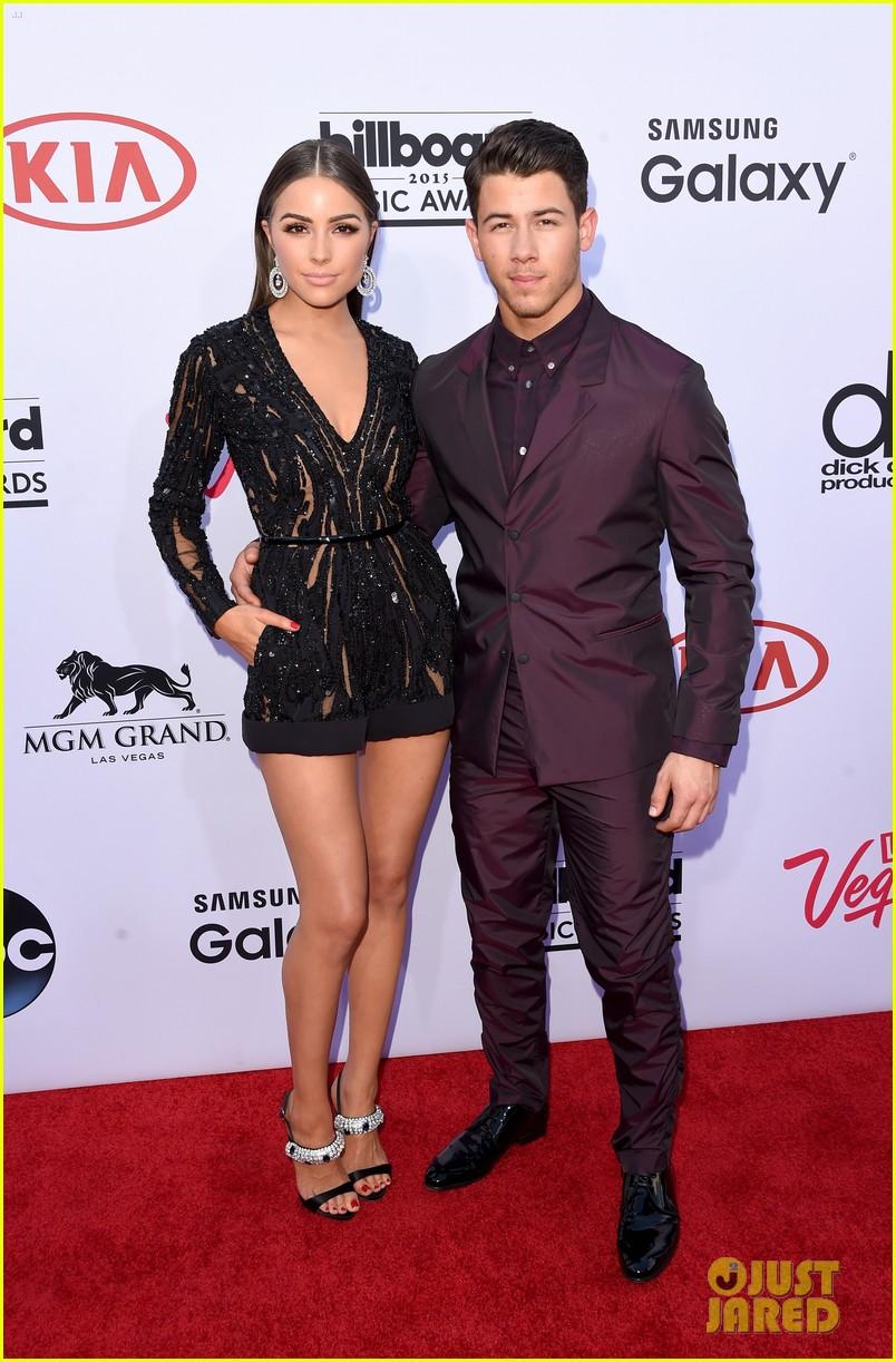 Nick jonas girlfriend billboard music awards 2015 033371951