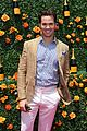mindy kaling freida pinto look like bffs at veuve clicquot polo classic 04