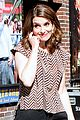 tina fey strips down to her spanx gives david letterman her last dress 04