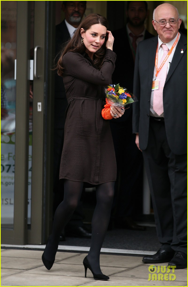 kate middleton gives birth prince william second child 103360458