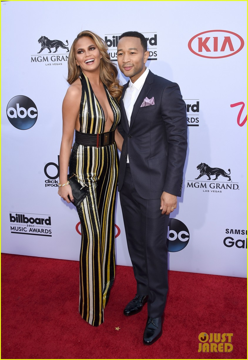 chrissy teigen john legend billboard music awards 2015 01