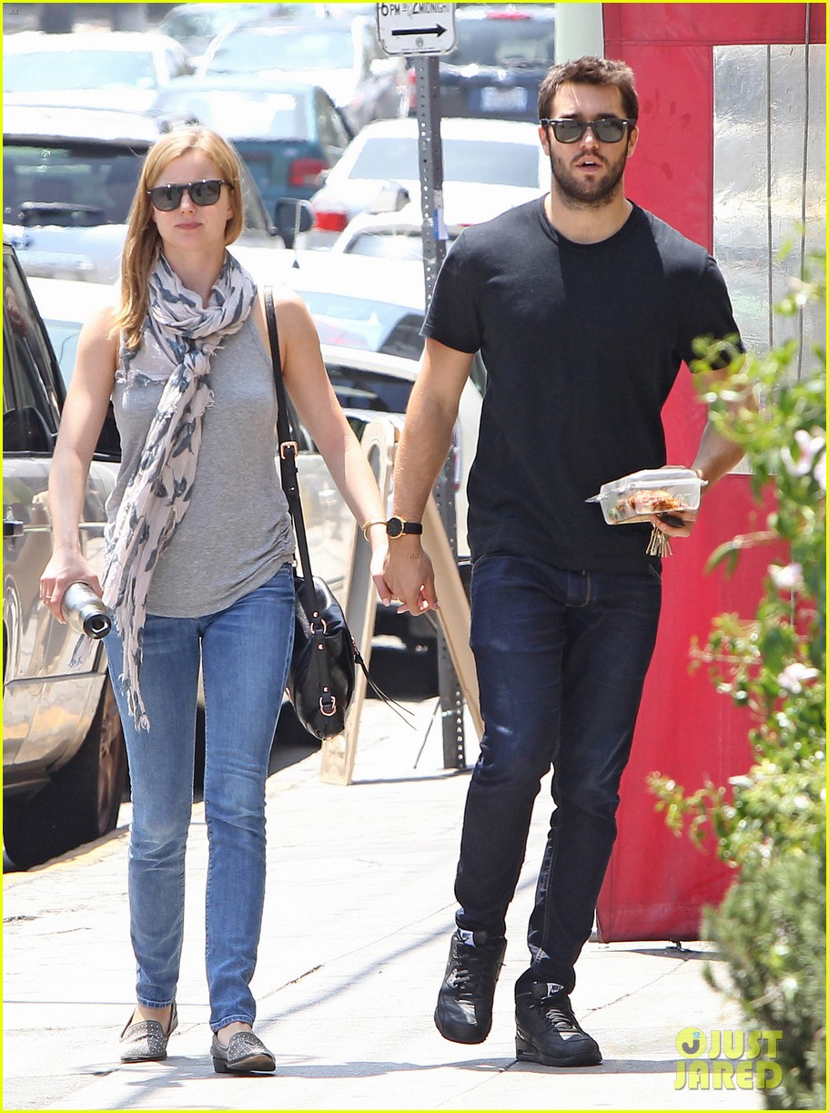 Emily VanCamp & Josh Bowman Are Still Going Strong!: Photo ...