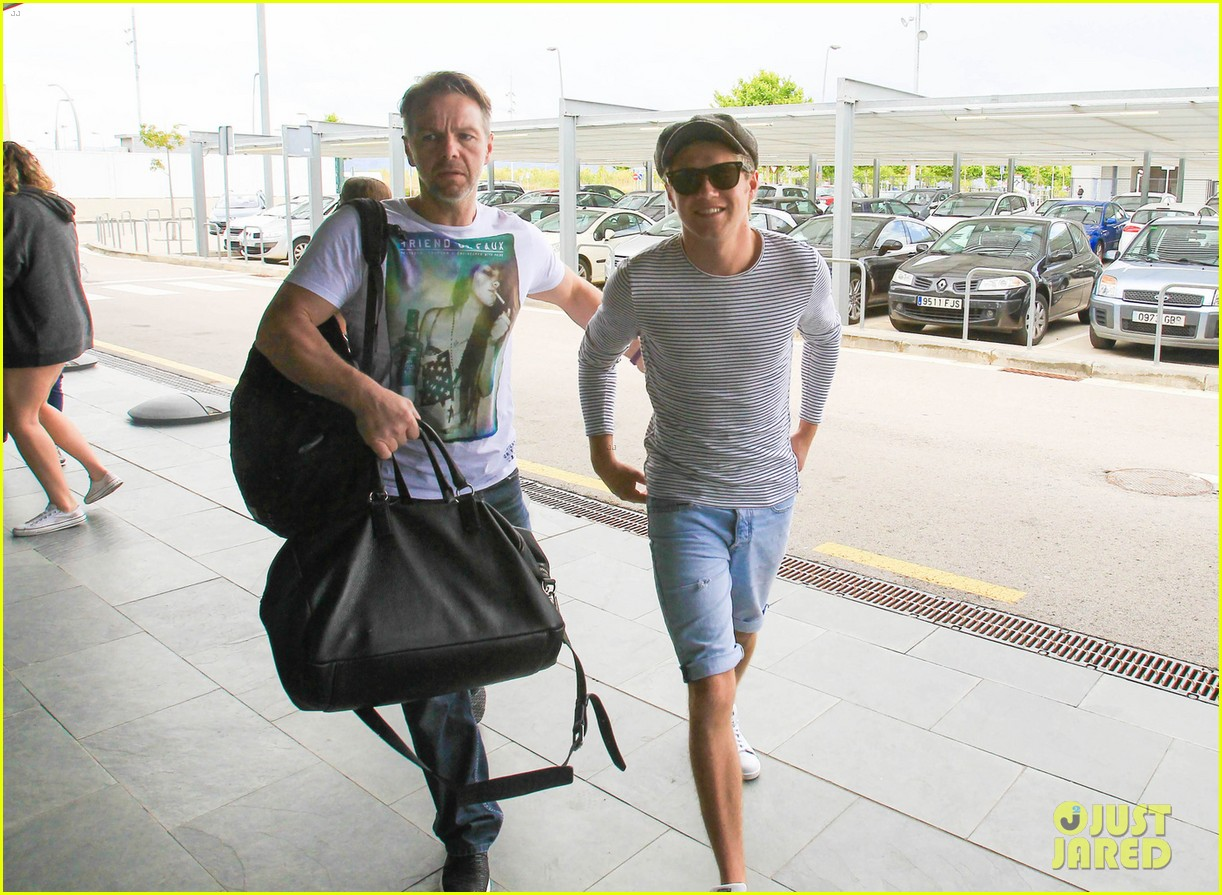 ... Arrival | Harry Styles, Niall Horan, One Direction Photos | Just Jared