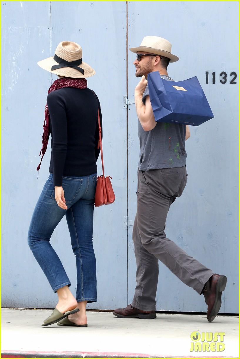 Maggie Gyllenhaal's Hubby Peter Sarsgaard Plays Villain in ... Maggie Gyllenhaal