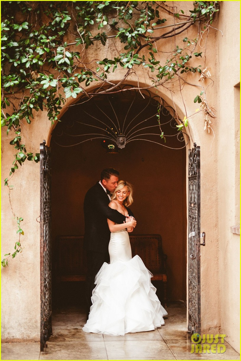 The Carrie Diaries Lindsey Gort Marries Beau Laughlin