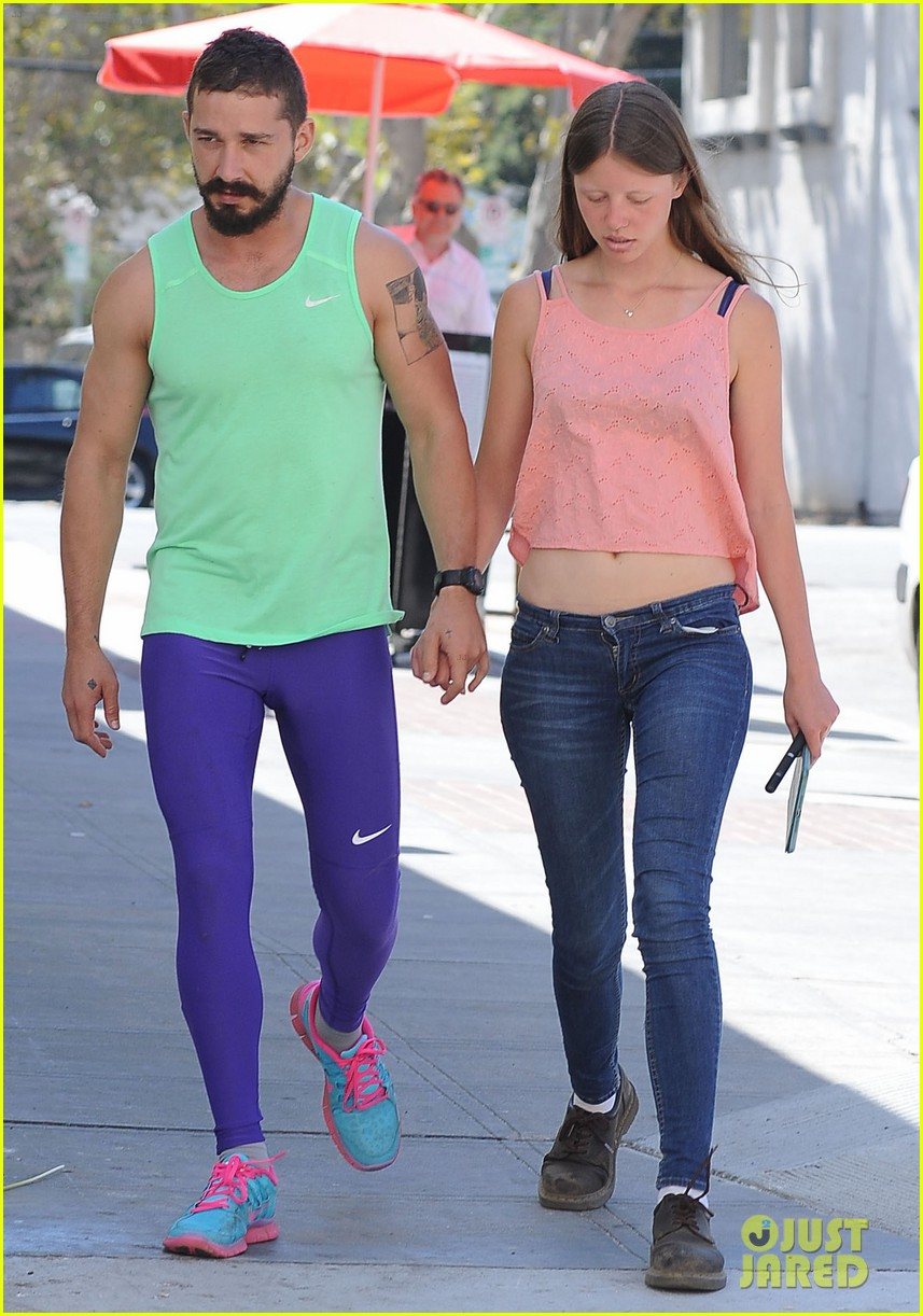 shia labeouf dating mia Shia labeouf and mia goth are dating and dressing alike.