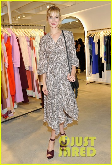 January Jones wears  (Sandals )