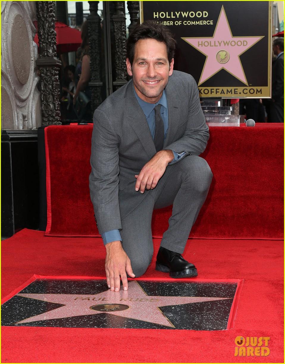 http://cdn03.cdn.justjared.com/wp-content/uploads/2015/07/paul-farts/paul-rudd-hollywood-walk-of-fame-star-01.jpg