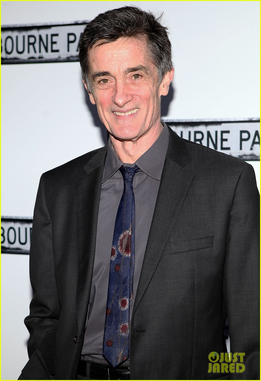 Roger rees dead cheers amp west wing actor dies at 71 photo