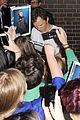 benedict cumberbatch mob outside hamlet 16