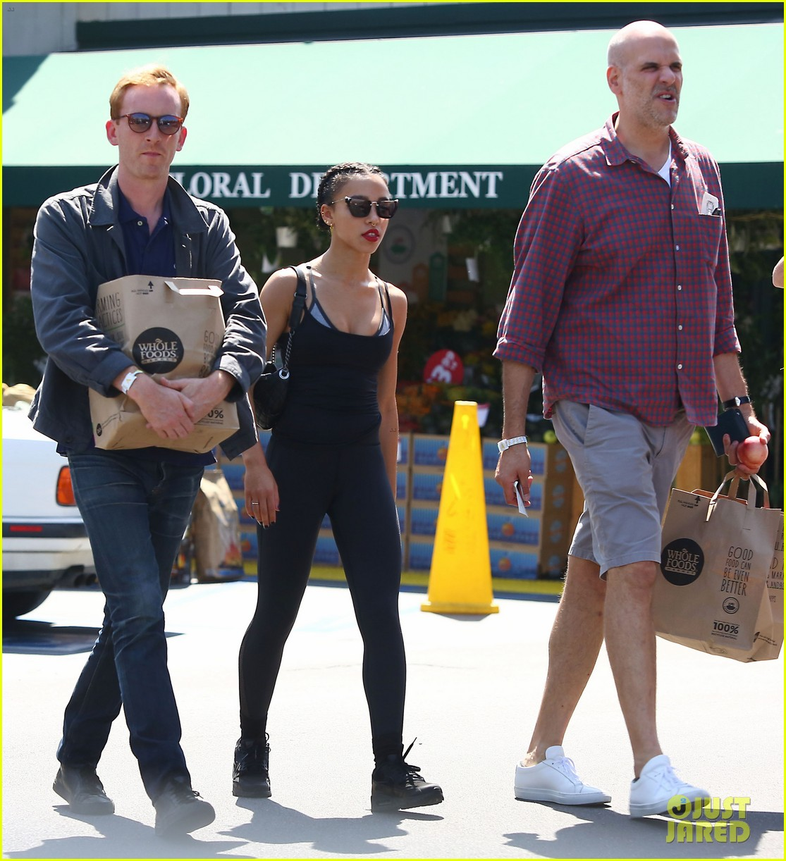 fka twigs whole foods grocery shopping 063444337
