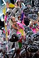miley cyrus mtv vmas 2015 performance 21