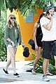 chloe moretz lunch friends celebs rude fans 14
