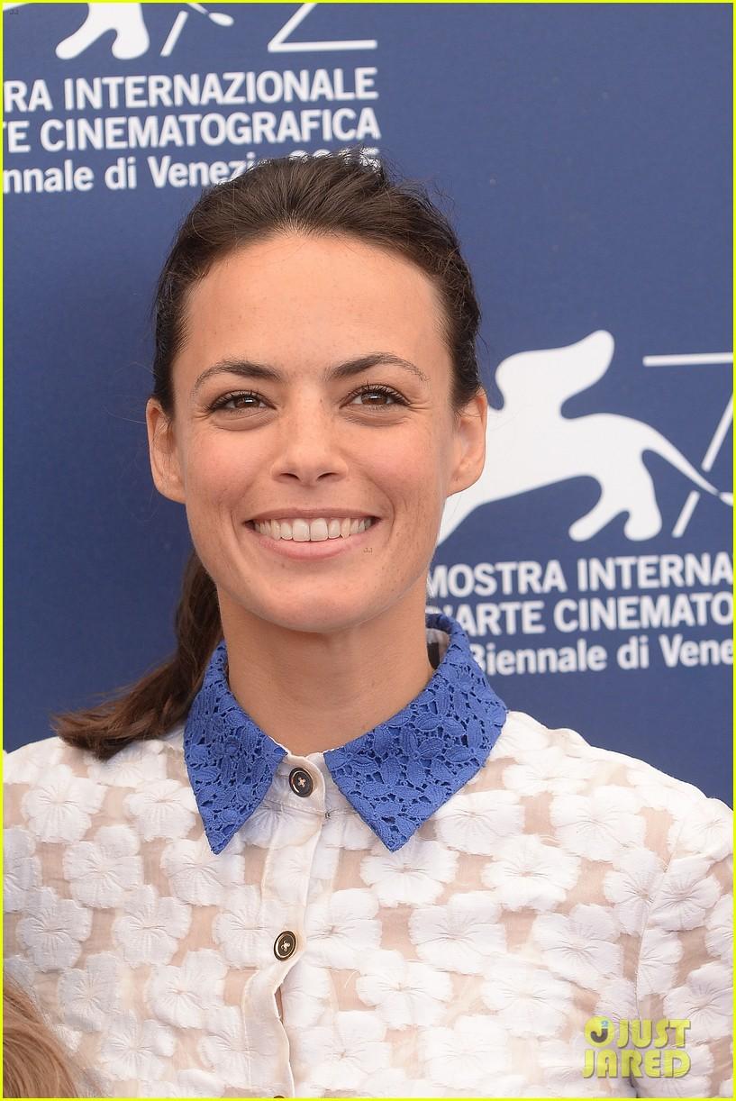 juliette binoche berenice bejo venice film festival 043453610
