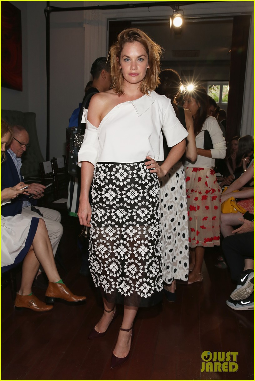 danielle panabaker ruth wilson monse nyfw flash trailer 083460012