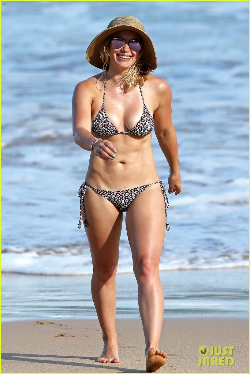 hilary duffs bikini body has never looked better 01