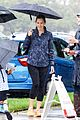 jennifer garner braves rain in la 07
