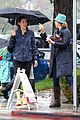 jennifer garner braves rain in la 11