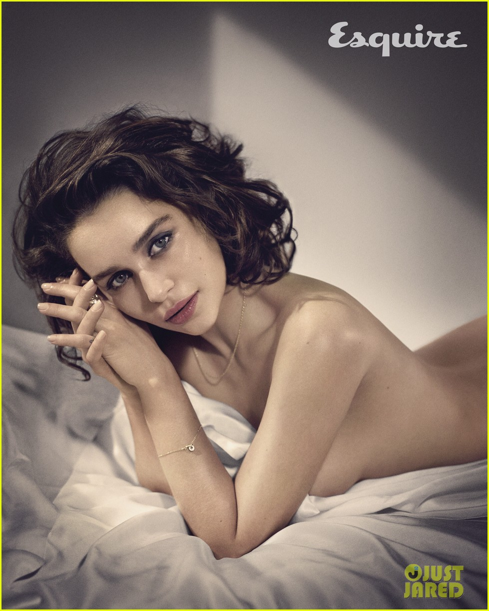 entertainment esquires sexiest woman alive sultry emilia clarke