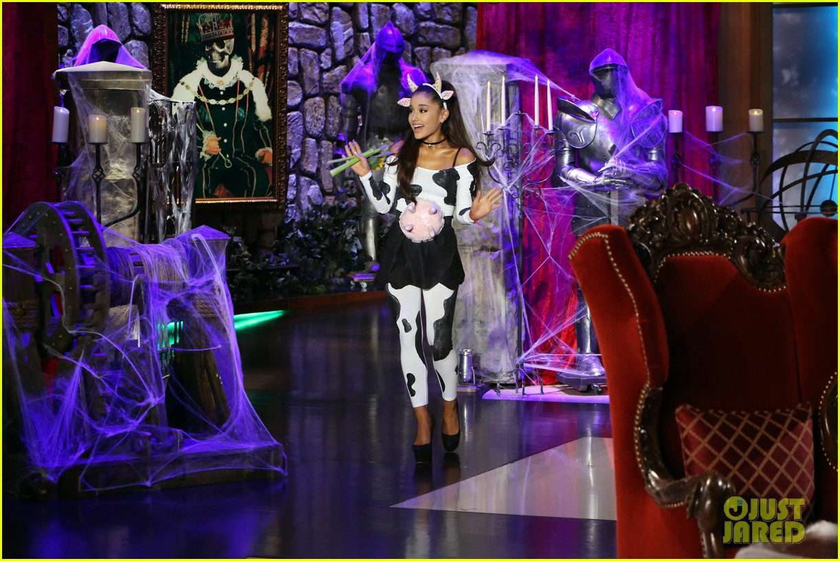 Ariana Grande Dresses As A Sexy Cow For Halloween 2015