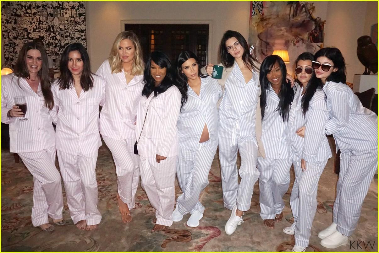 kim kardashian displays bare baby bump in new baby shower pics