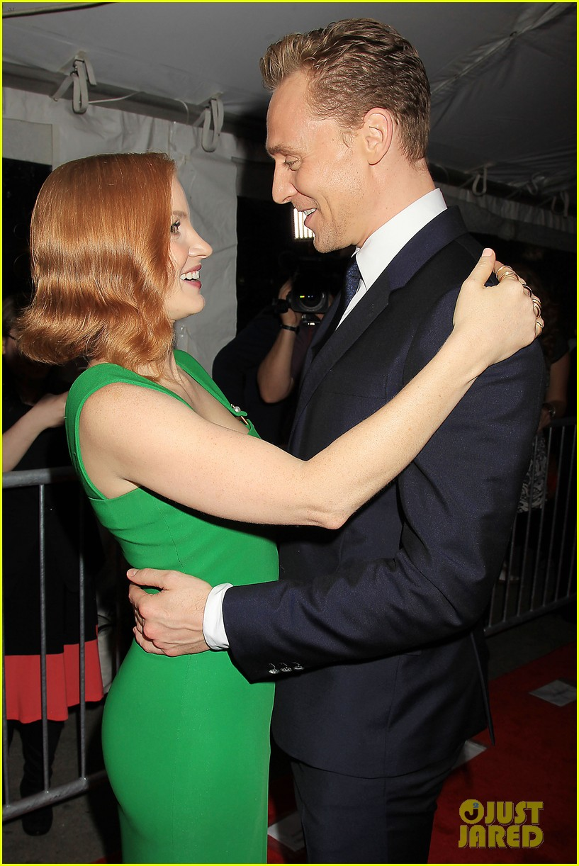 Jessica Chastain Tom Hiddleston Crimson Peak