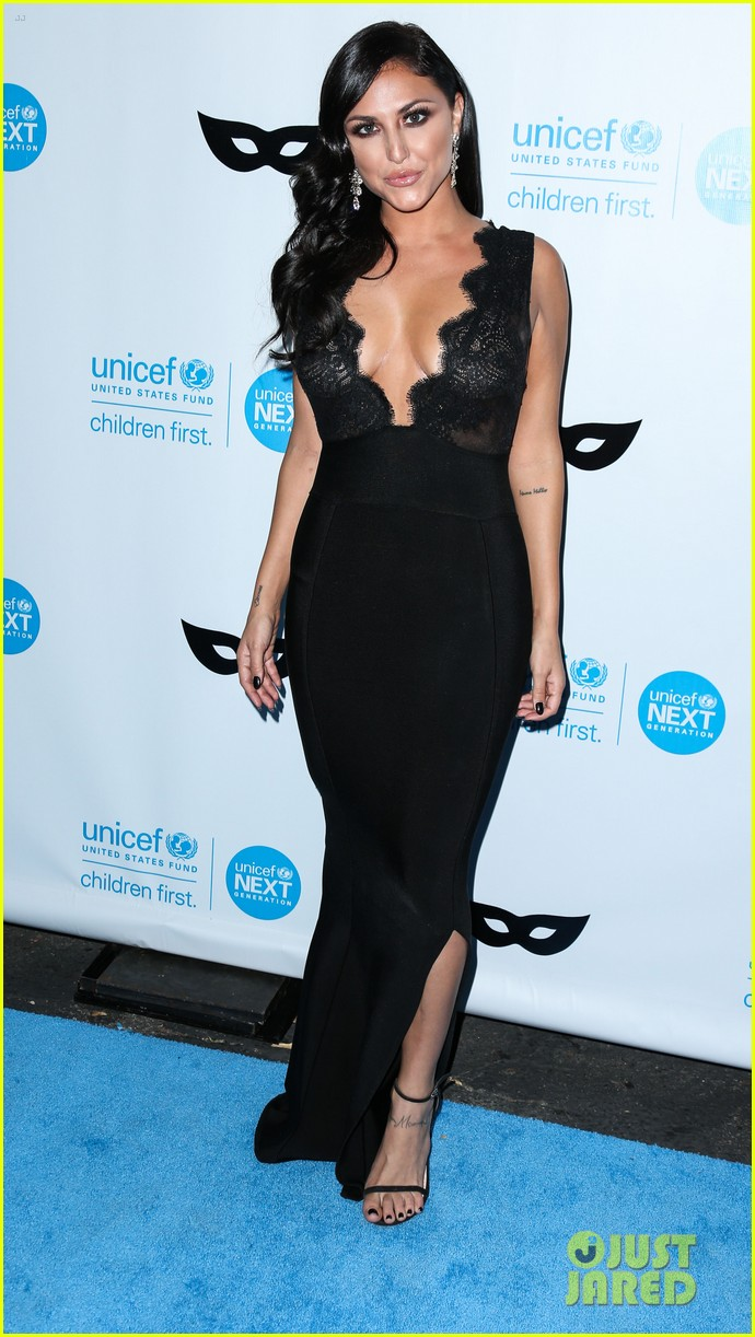 brittany snow annalynne mccord more unicef black white ball 013496639