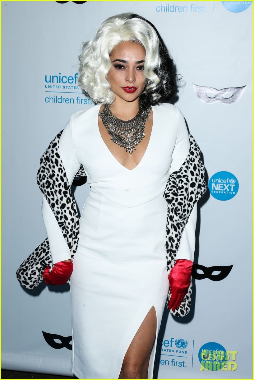 brittany snow annalynne mccord more unicef black white ball 023496640