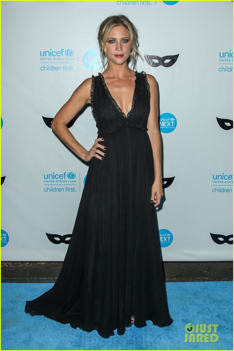 brittany snow annalynne mccord more unicef black white ball 043496642