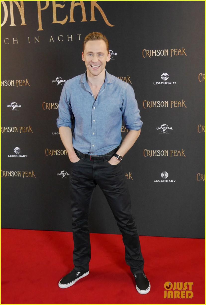 Miss piggy dating tom hiddleston