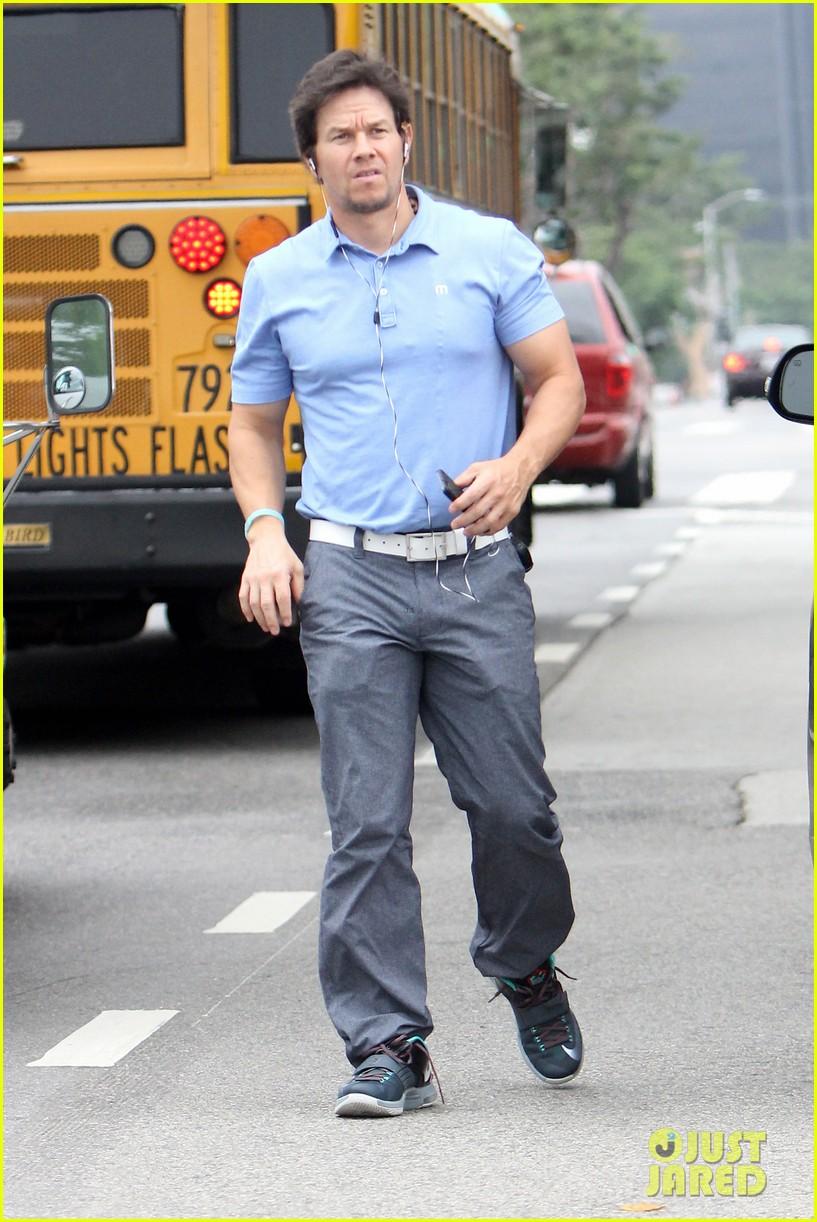 Pics Photos - Mark Wahlberg Smile Shirt Mark Wahlberg Height