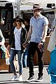 sarah hyland dominic sherwood farmers market shadow puppets 01