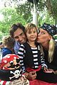 karolina kurkova welcomes baby boy 03