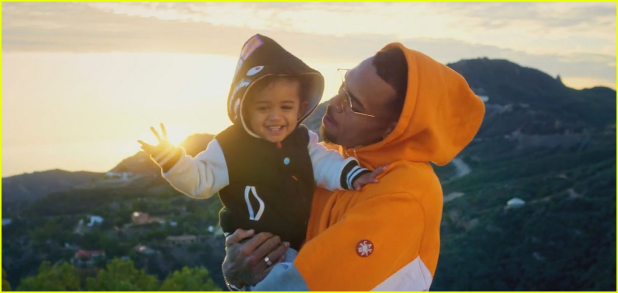 chris browns daughter royalty stars in little more video 033534795