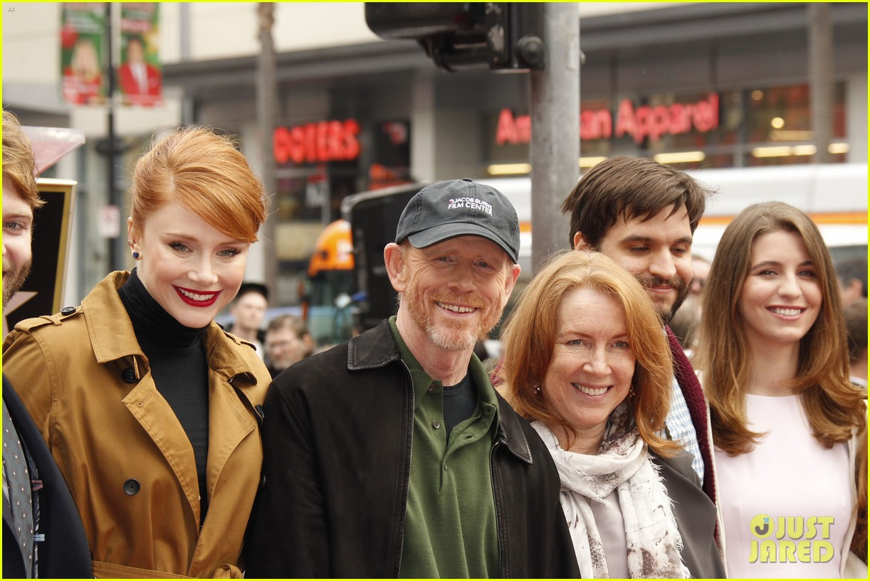 Ron Howard Gets Support From Entire Family At 2nd Star ...
