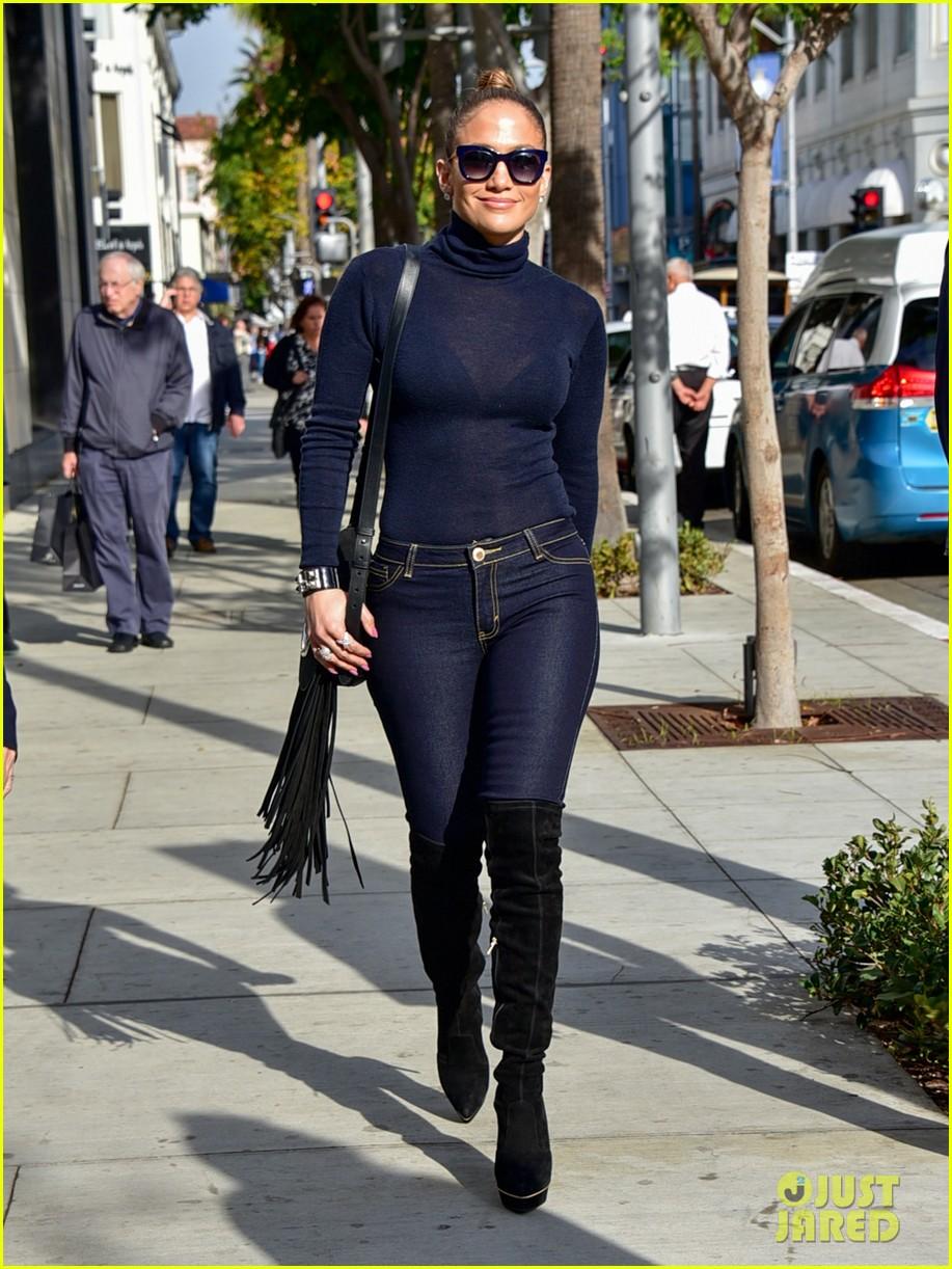What Size Shoe Does Giuliana Rancic Wear