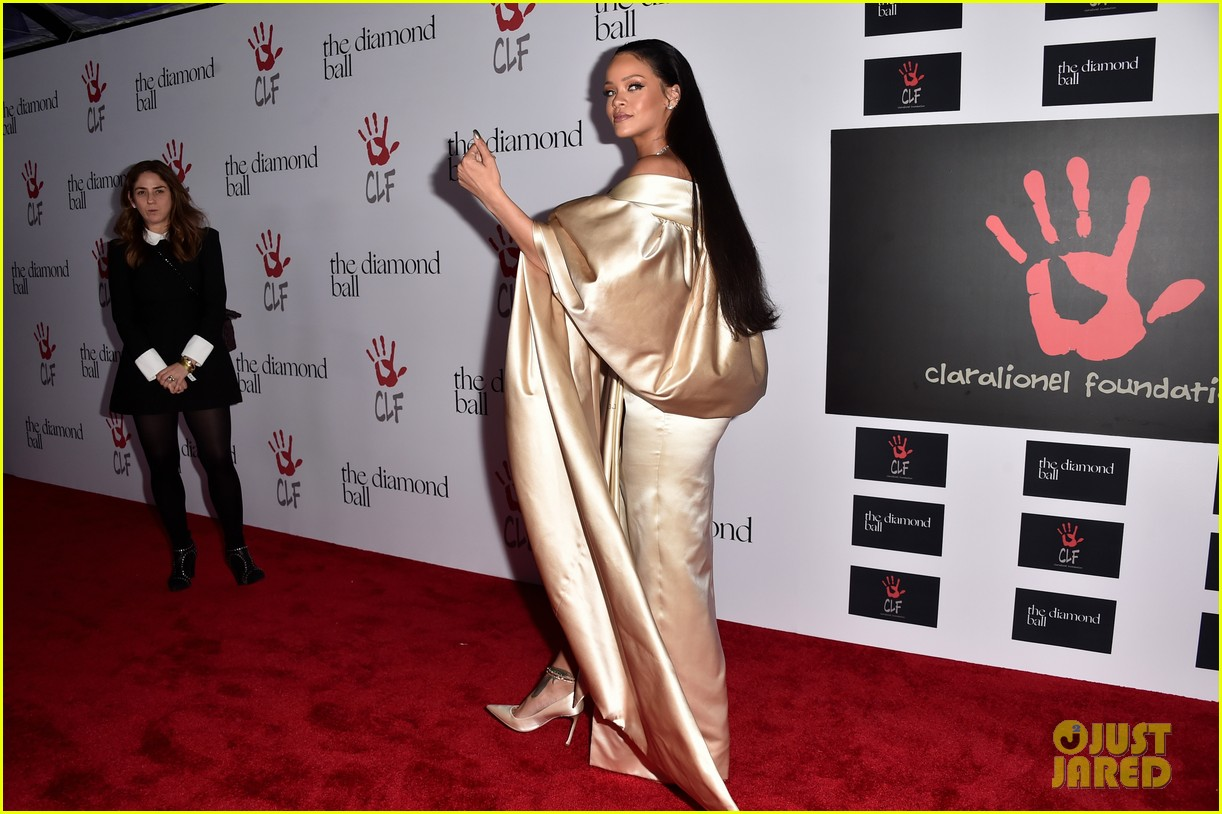 rihanna diamond ball 2015 033527749