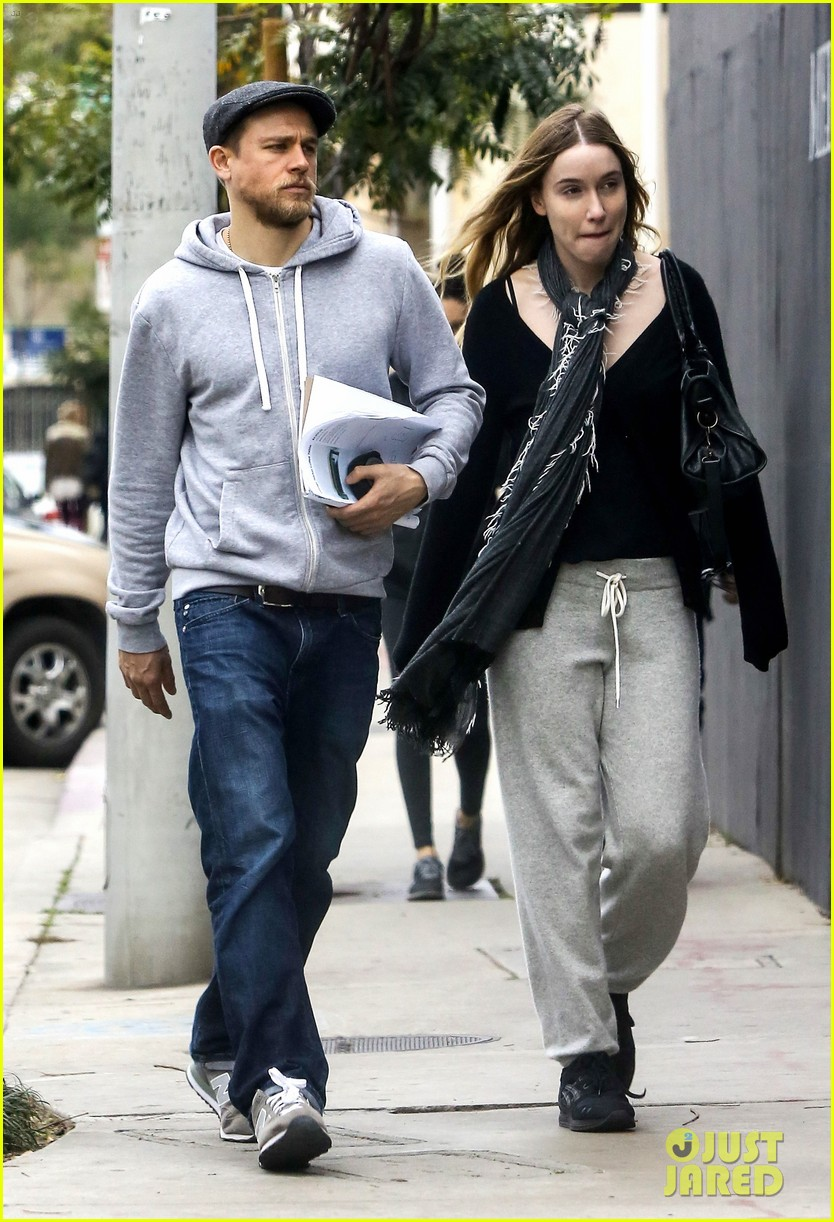 Awe Inspiring Charlie Hunnam Steps Out With Girlfriend Morgana Mcnelis Photo Hairstyle Inspiration Daily Dogsangcom