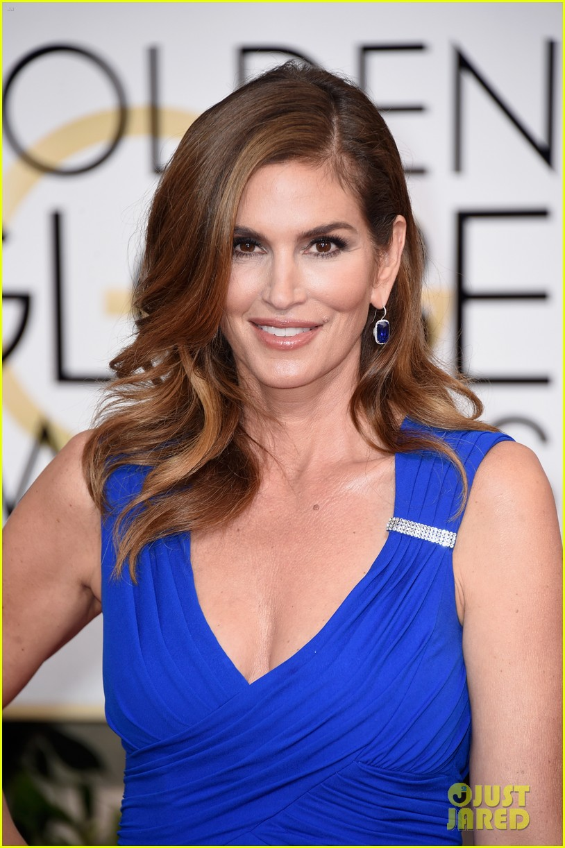 Cindy crawford announces she ll retire from modeling at 50