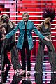 jane lynch peoples choice awards 2016 opening number 03