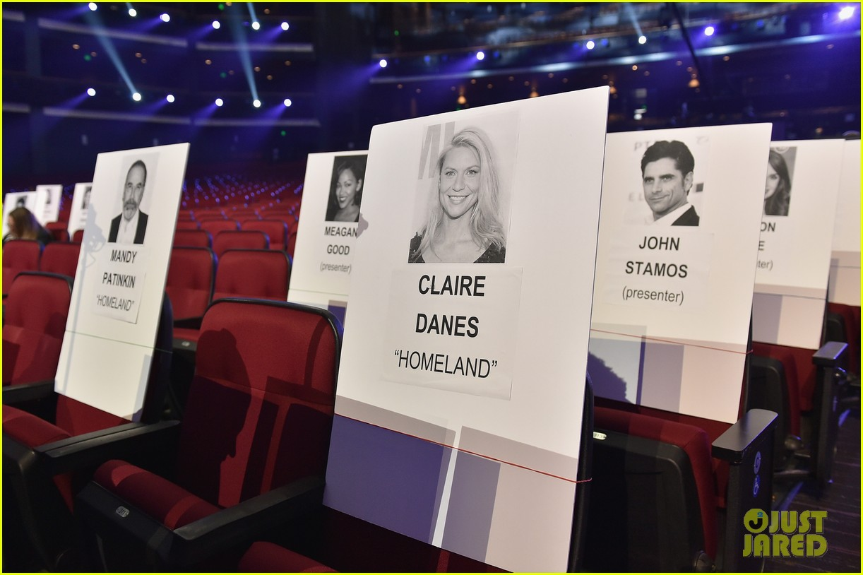 Peoples choice awards 2016 celeb seating chart revealed photo peoples choice awards 2016 celeb seating chart revealed photo 3544126 2016 peoples choice awards pictures just jared nvjuhfo Gallery
