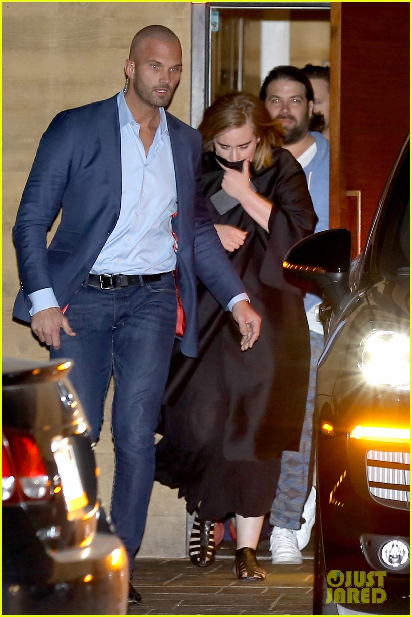 Adele Amp Boyfriend Simon Konecki Grab Dinner In Malibu Photo 3570250 Adele Peter Van Der Veen