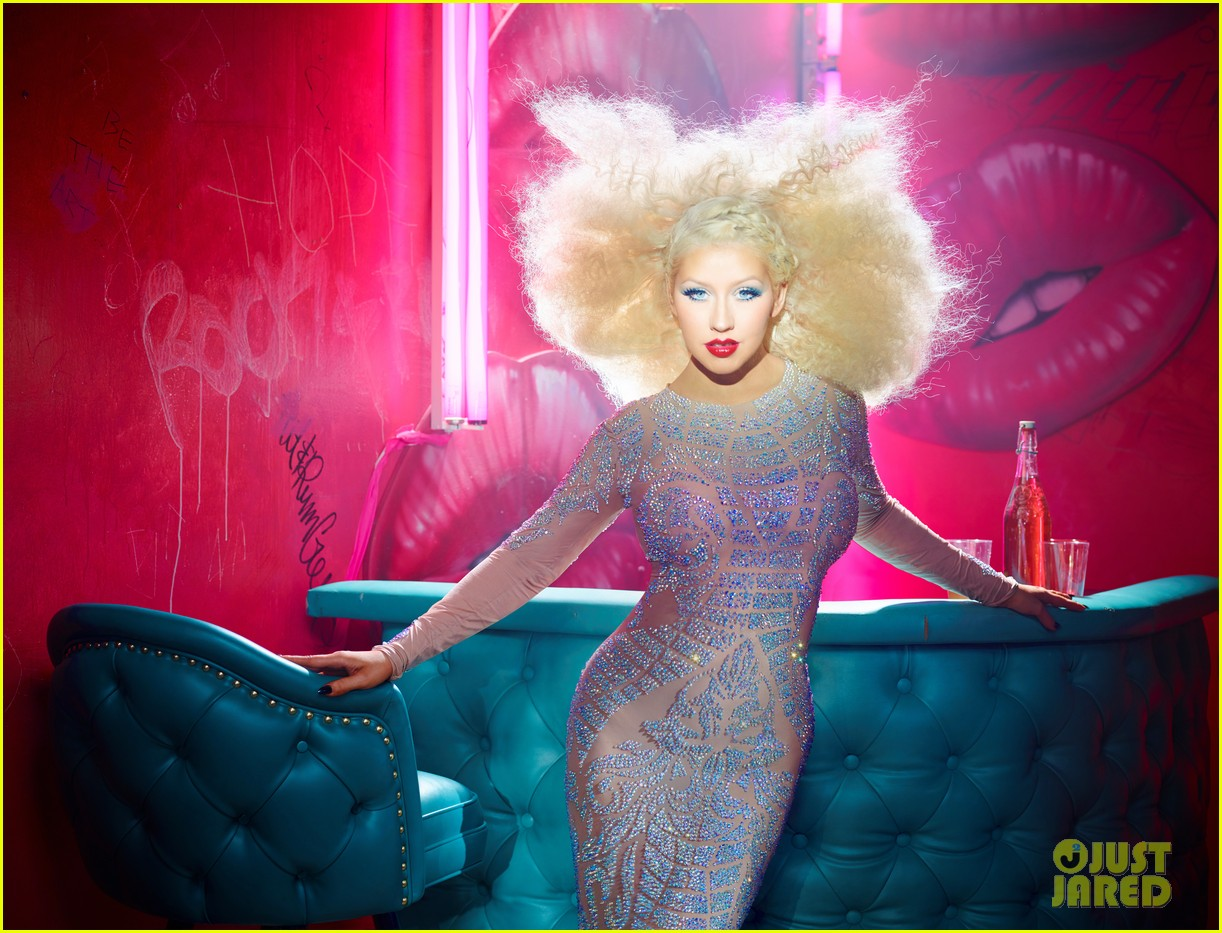 christina aguilera has massive hair in the voice season 10 promo pics 04