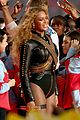 beyonce almost falls during super bowl performance 04