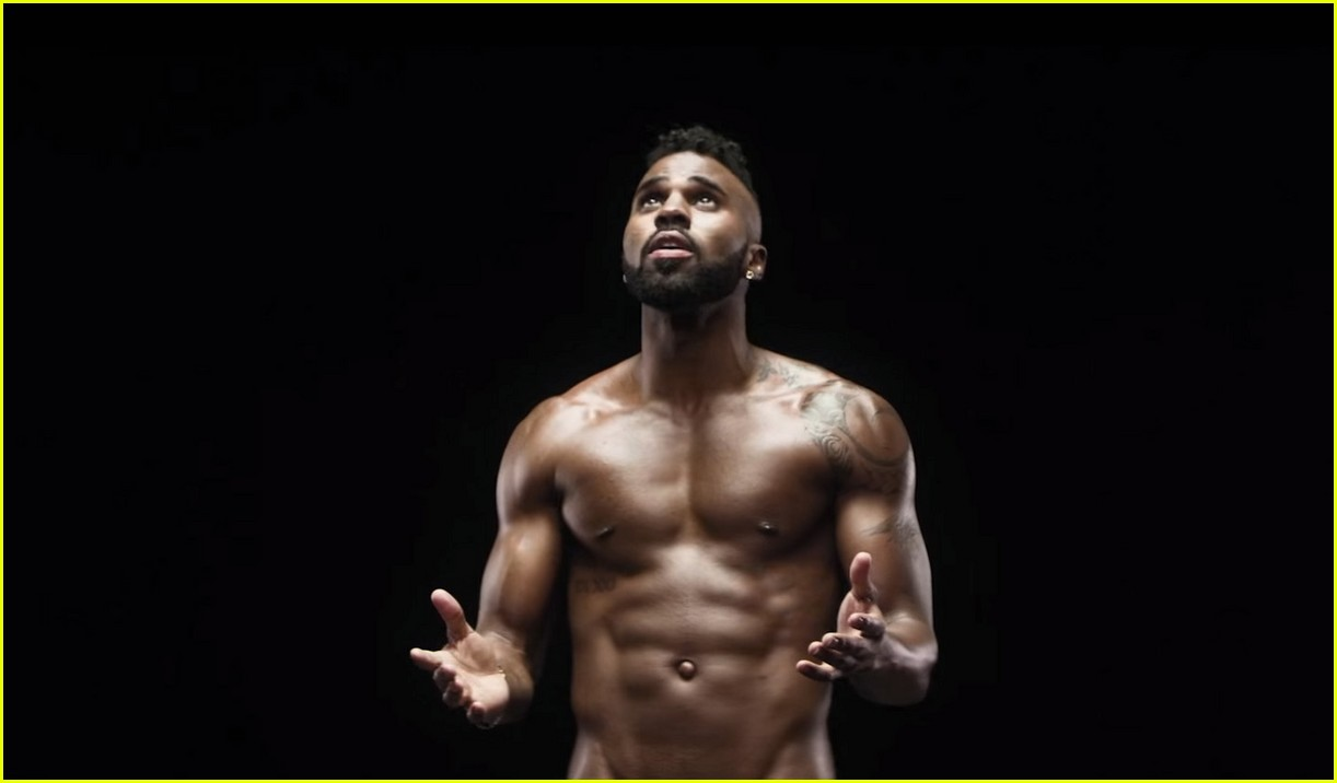 Jason Derulo Goes Shirtless in Music Video for Naked