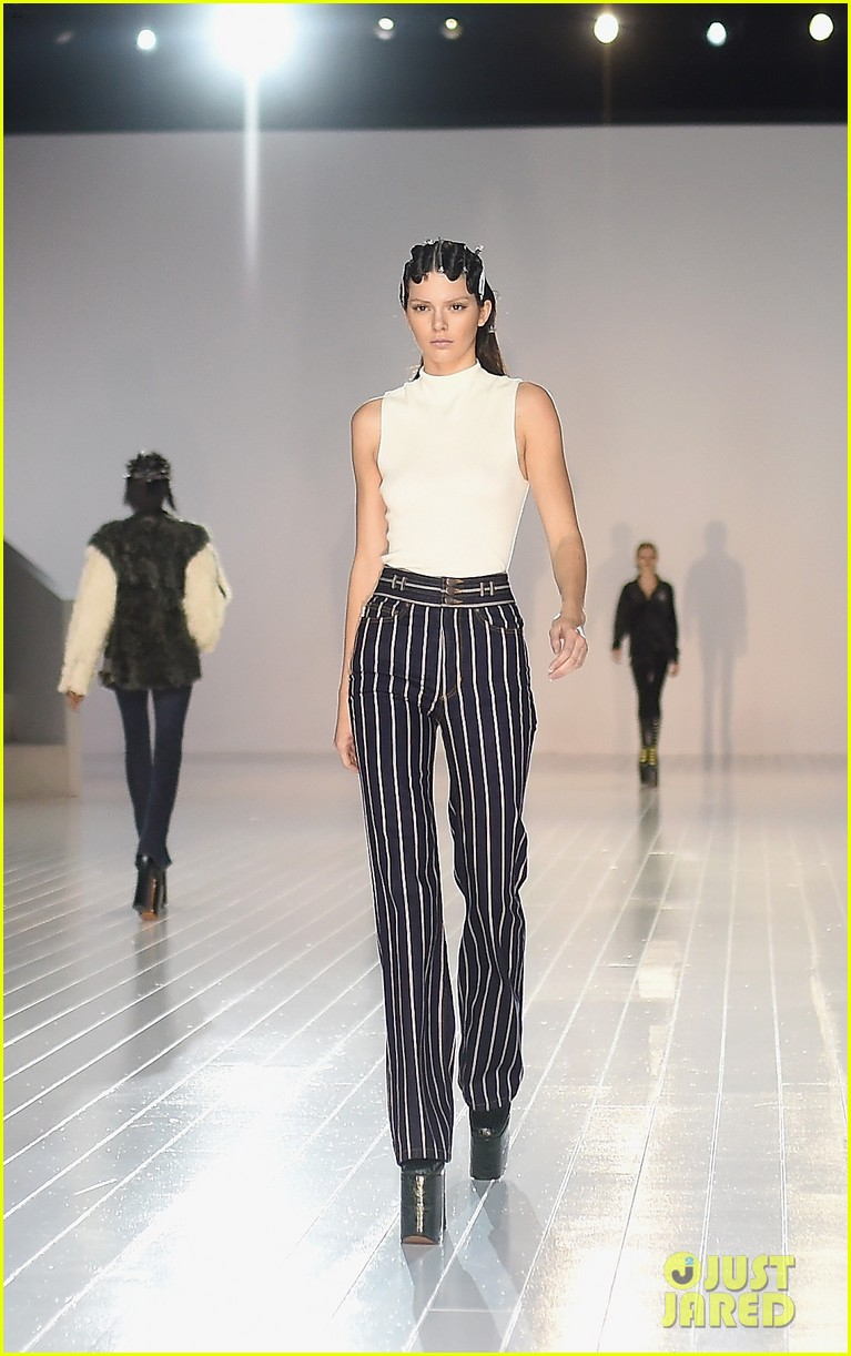 Kendall Jenner Rules The Runway For Marc Jacobs 39 Nyfw Show
