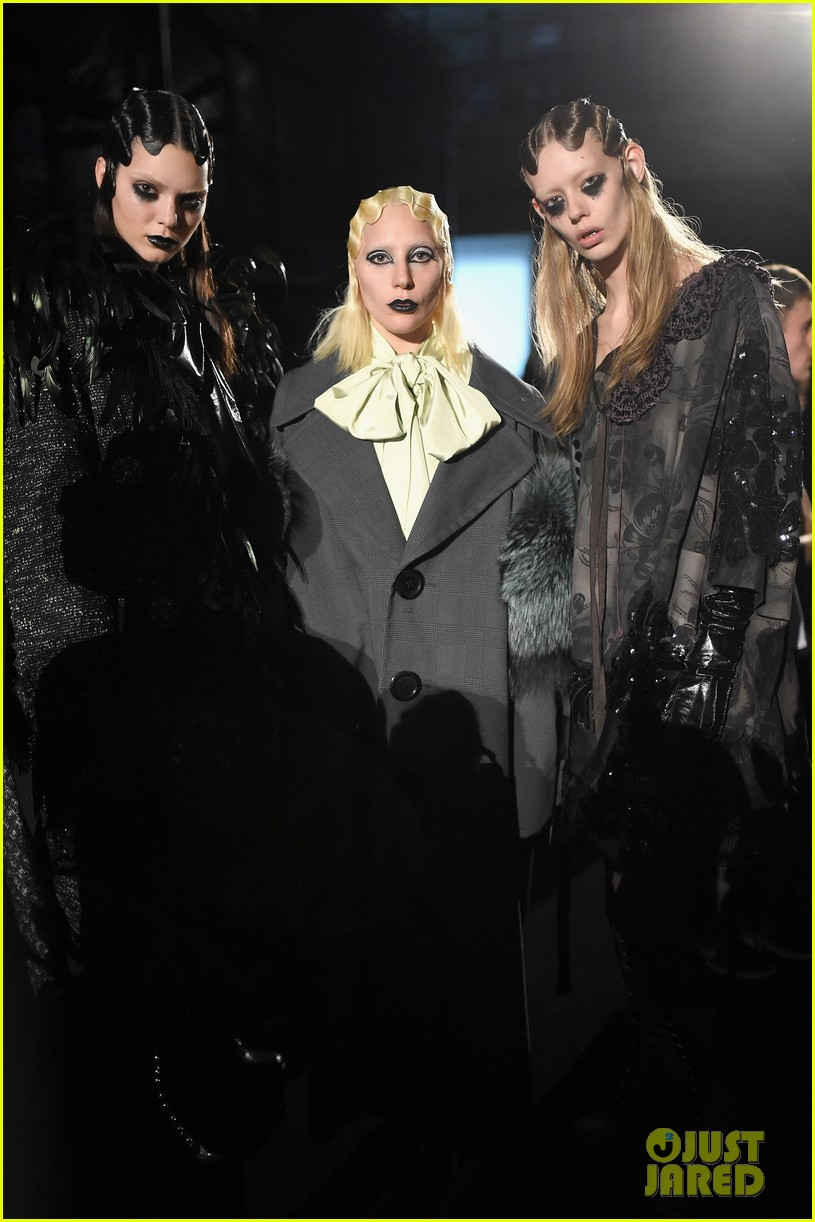 Kendall Jenner Rules the Runway for Marc Jacobs' NYFW Show ...