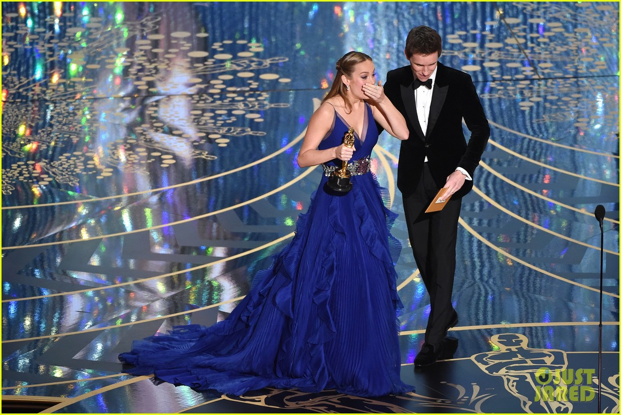 Brie Larson Wins Best Actress at Oscars 2016 for 'Room': http://www.justjared.com/photo-gallery/3592672/brie-larson-wins-best-actress-at-oscars-2016-13/fullsize/